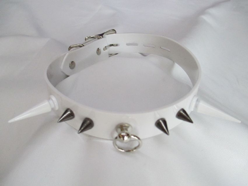 Pastel Coloured 20 mm wide spiked Locking Restraint Collar,